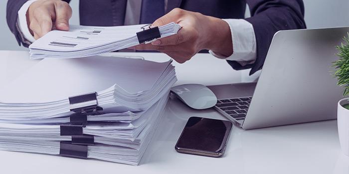 بستن حسابها در مؤسسات بازرگانی